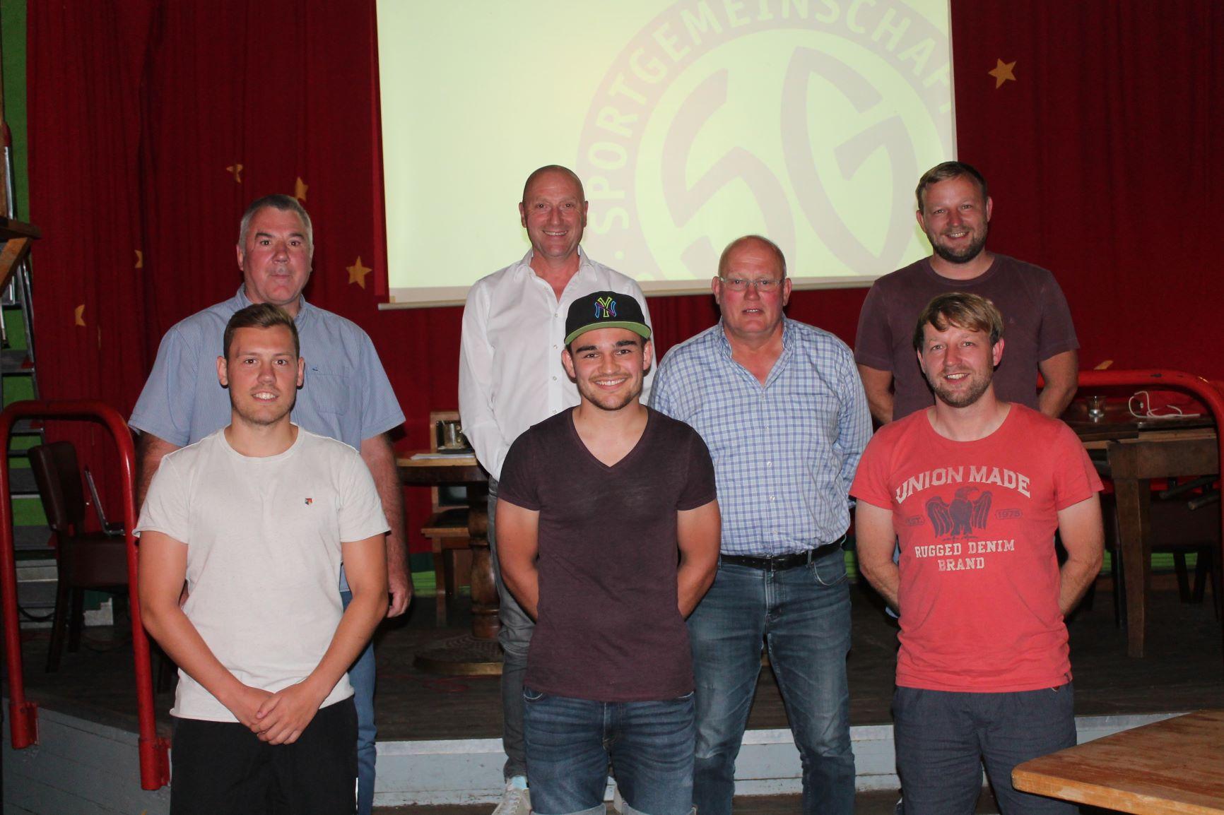 Mitglieder des neuen Vorstands der Fußballabteilun